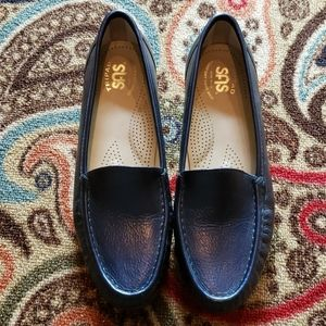 SAS Navy Leather Simplify Classic Loafer NWOT